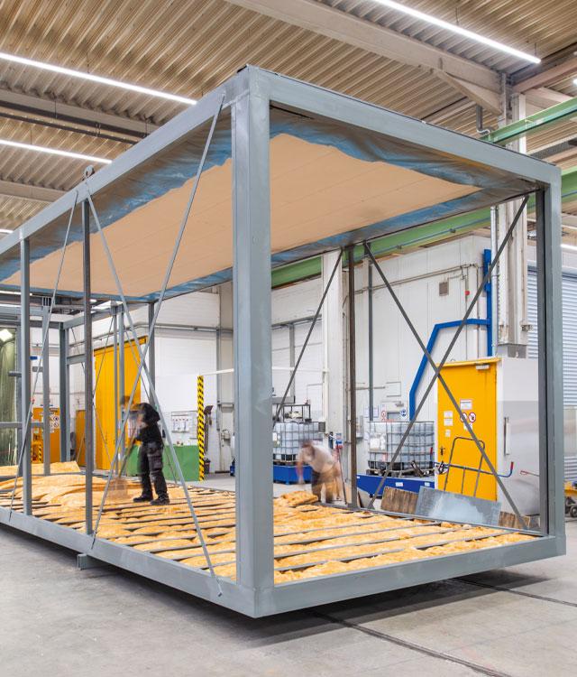 Bauteile für das viergeschossige Bürogebäude im Barbarviertel werden vorproduziert.